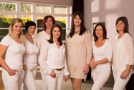 Gruppenfoto des Teams rund um Dr. Nicole Gruber